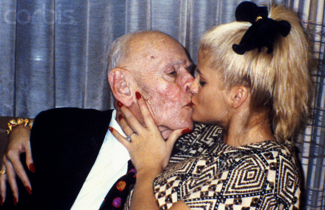 Anna Nicole Smith Kissing Husband J. Howard Marshall II